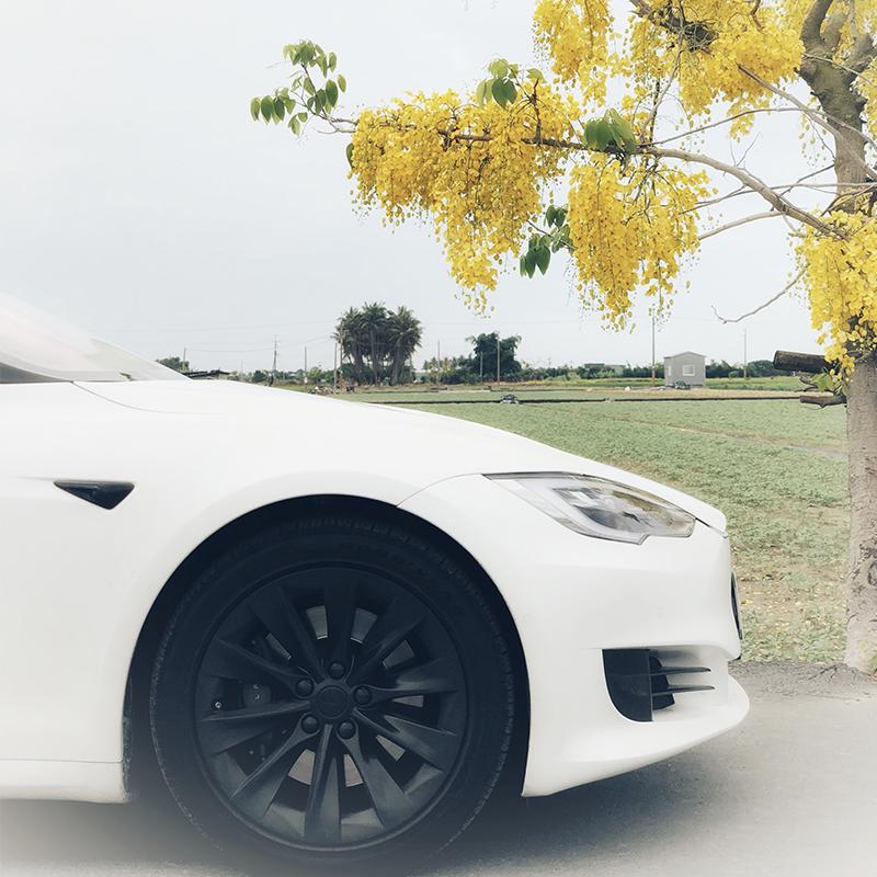 Model S驾驶心得仿佛生在现代的未来车