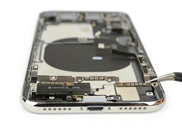 iPhone X拆解:背板零件1