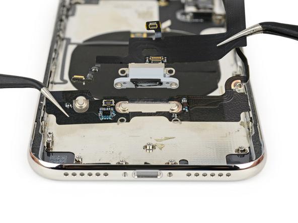 iPhone X拆解:Lightning接口