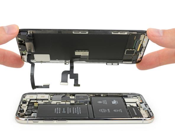 iPhone X拆解:已卸除擋版及排線