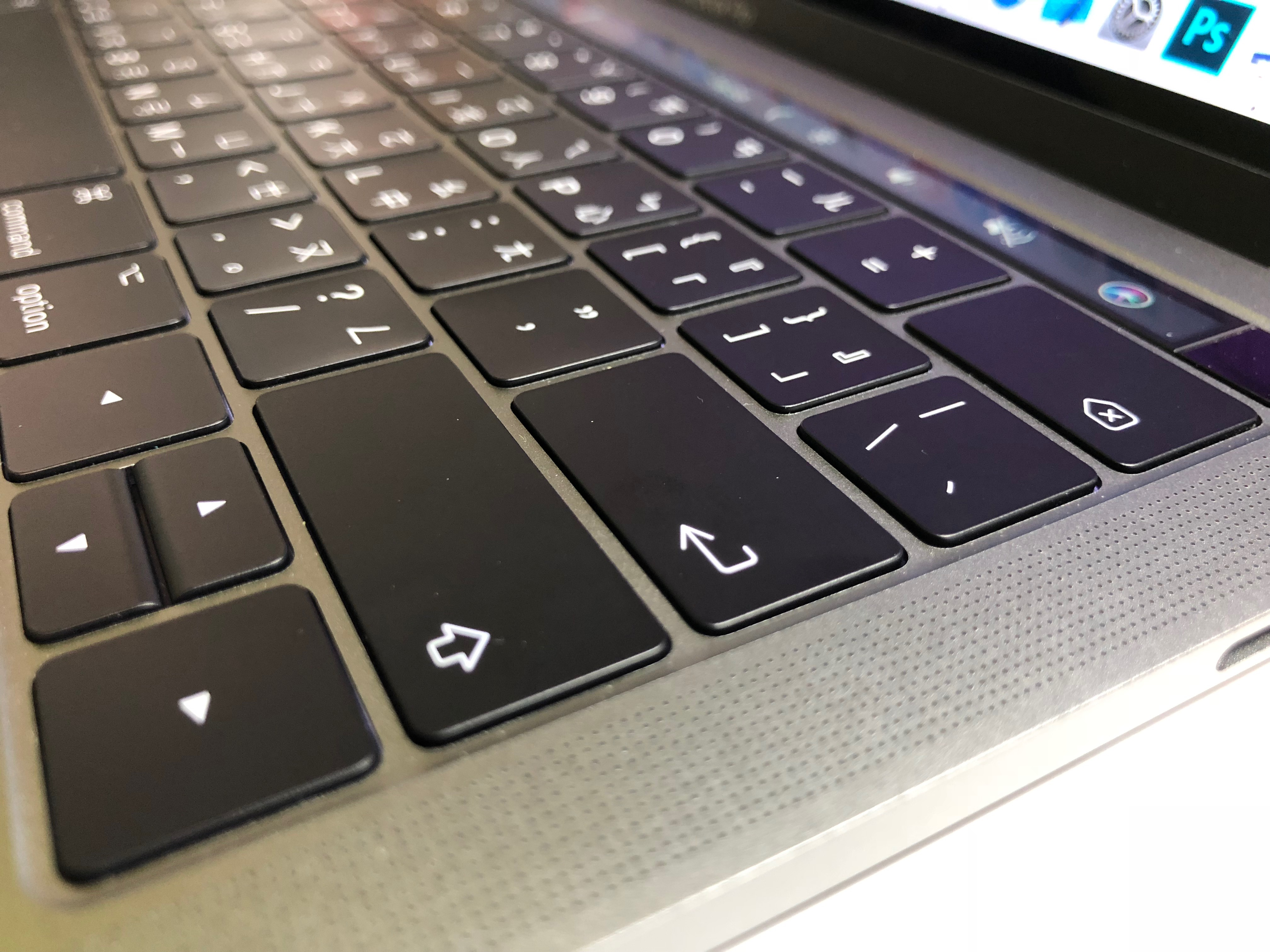 MacBook Pro 鍵盤故障送修過程-維修後鍵盤