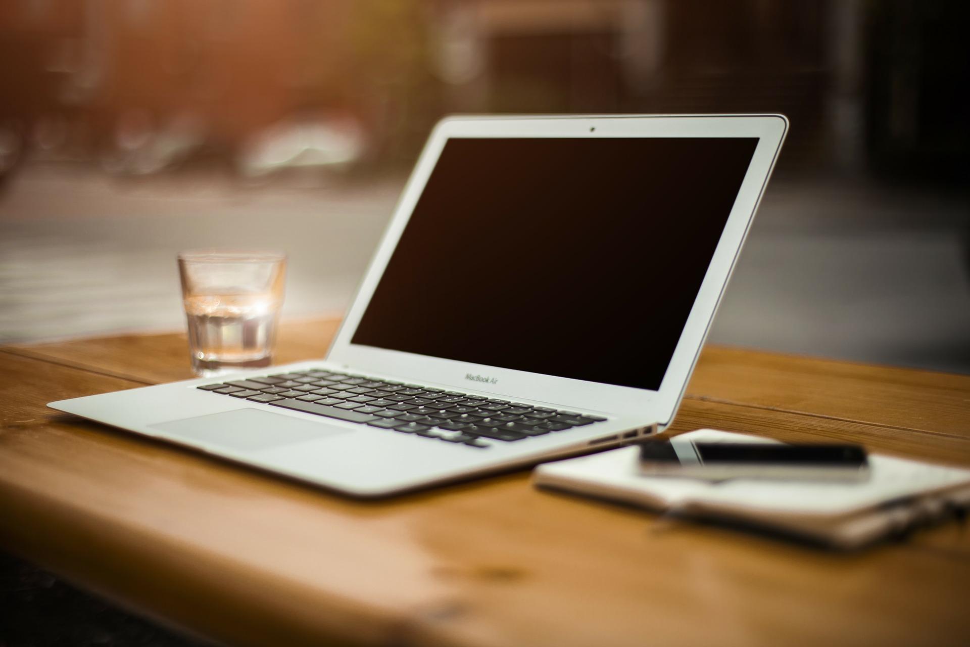 好消息:苹果可能要推出具备Retina萤幕的Macbook Air了!