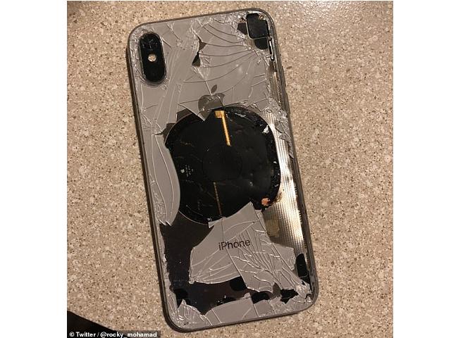 英国用户表示将iPhone 更新时,手机开始发热最后冒烟