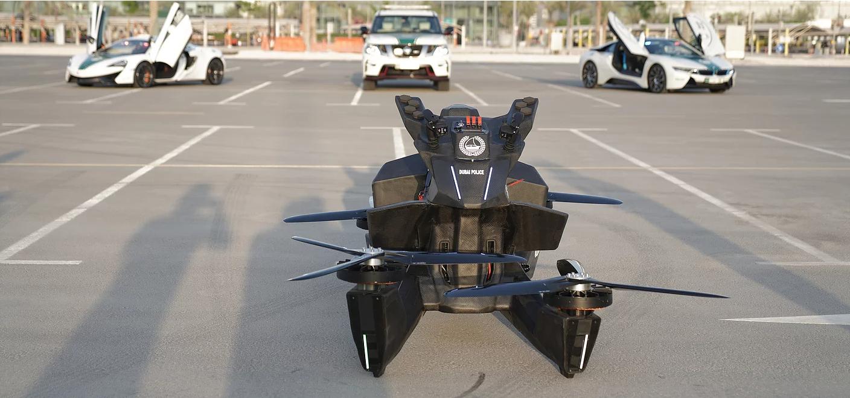有錢到像拍電影的杜拜警方,最近又入手了一件新裝備——飛行警用摩托車